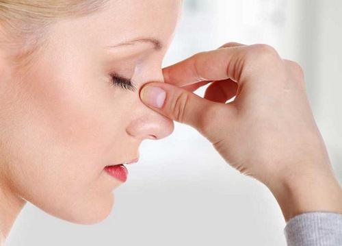 سوراخ شدن سپتوم بینی