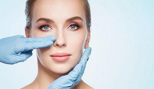 دکتر جراحی متخصص بینی